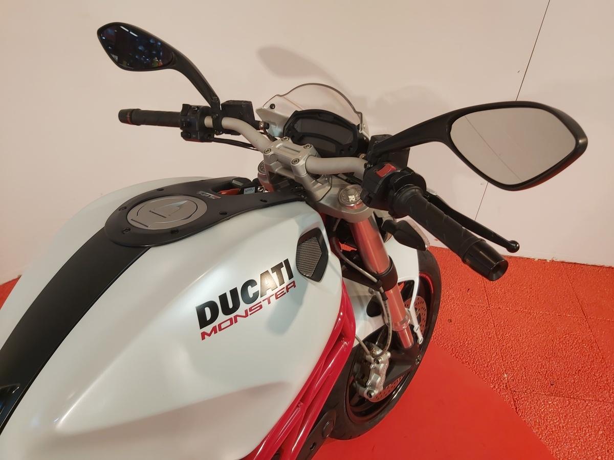 DUCATI M 796