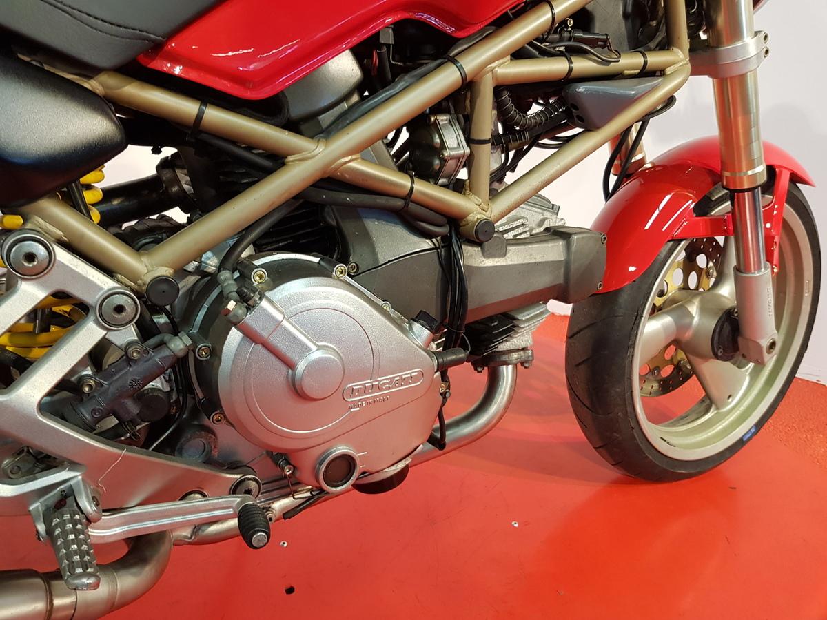 DUCATI M 600